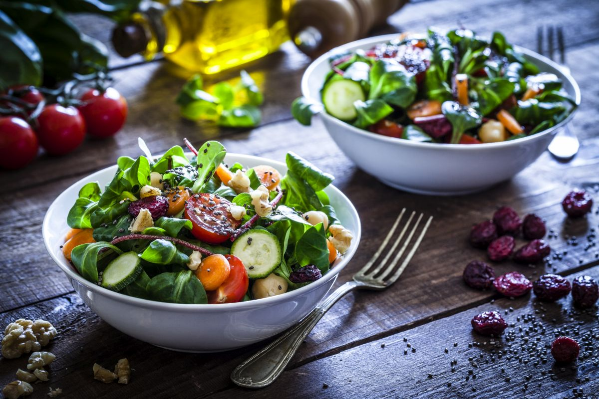 vegetables, cancer, nutrition, nutritional food, unhealthy outside meals, carotenoids, immmune system, anti-inflammatory, antioxidants, spinach, tomato, sprouts, broccoli, carrot, metabolism, chemotherapy, diseases, healthy diet