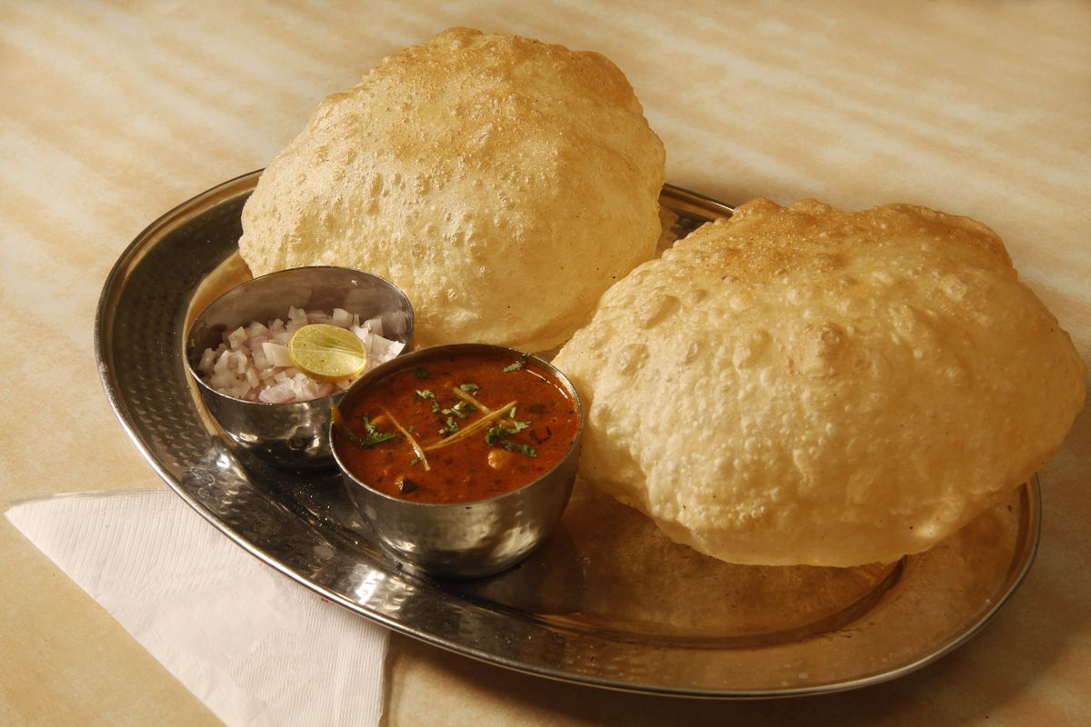 How to make restaurant-style Chole Bhature at home?