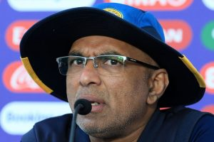 Sri Lanka coach Hathurusingha vows to stay on despite World Cup exit