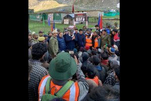 Farooq Abdullah meets Amarnath pilgrims at base camps in Kashmir