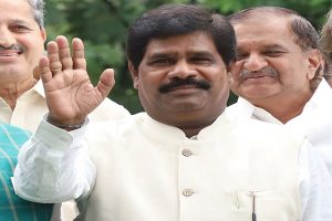 Karnataka minister Nagesh resigns, withdraws support