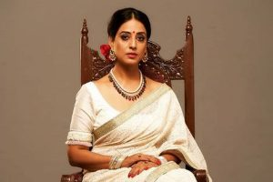 I am ready to embrace motherhood without marriage, says Mahie Gill