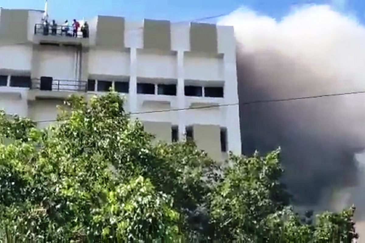 Fire breaks out at MTNL building in Mumbai, many feared trapped