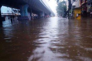 Mumbai virtually crippled as continuous rains break 45 year old record