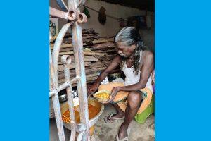 I take pride in earning money from my labour: Padmashree Haldhar Nag