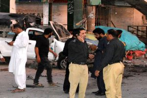 5 killed in blast targeting police vehicle in Pakistan, many injured