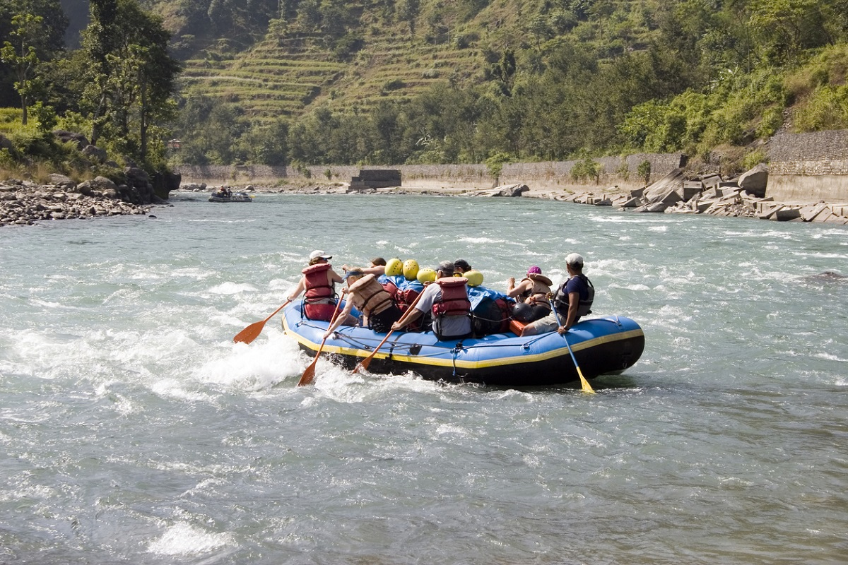 Ban on river rafting and para gliding in Kullu till 15 September