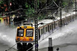 Heavy rain throws life out of gear in Mumbai, many trains cancelled