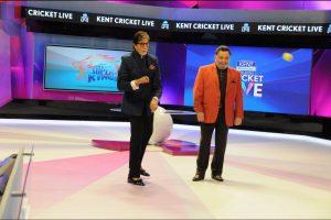 Big B sends best wishes for Rishi Kapoor's new film
