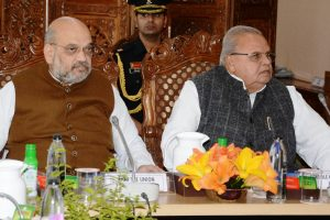 Appalling! Governor Malik asks terrorists to kill corrupt leaders, Omar Abdullah hits back
