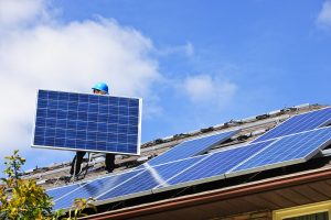 Delhi Police goes green, signs pact for solar power