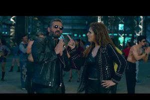 Suniel Shetty, Raveena Tandon in new 'Sheher Ki Ladki' bring back the 90s