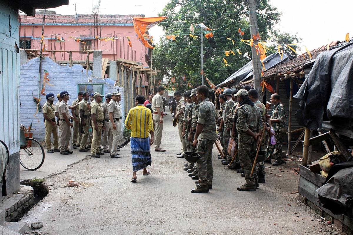 Kakinara, Kolkata, North 24 Parganas, Eastern Railway, Rapid Action Force, RAF, Trinamool Congress, TMC, West Bengal