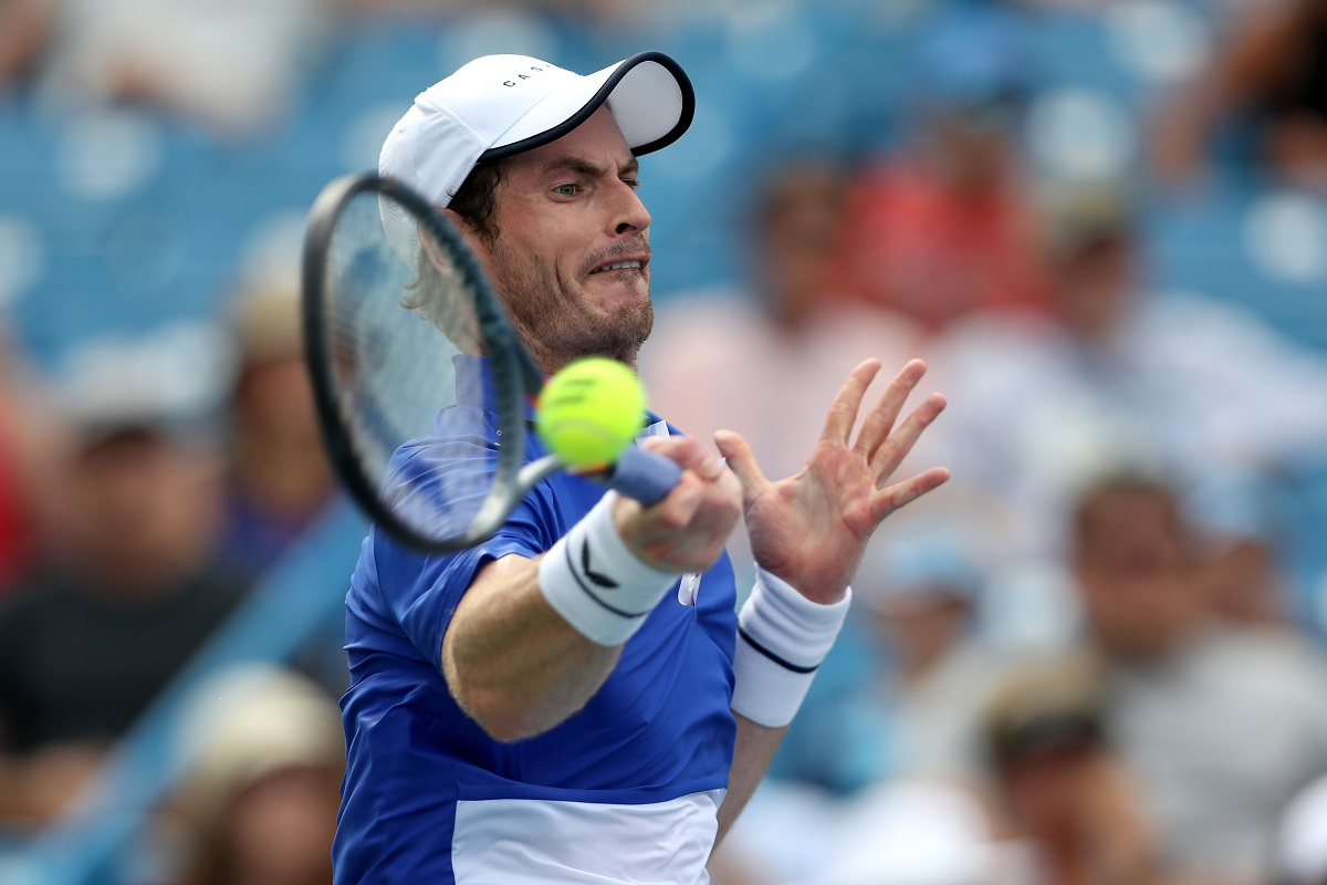 Lee scripts history, Murray bows out of Winston-Salem Open