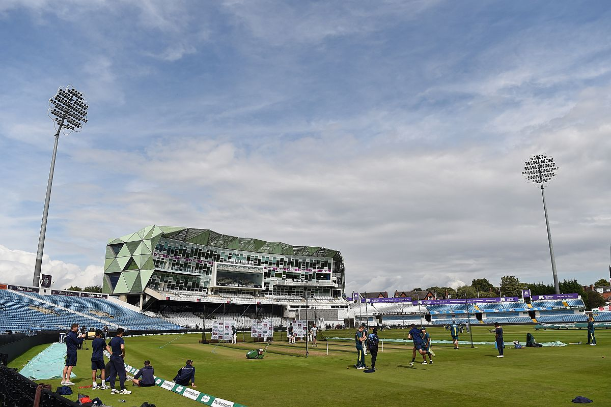 Ashes 2019 3rd Test: England opt to bowl against Australia; rain delays start