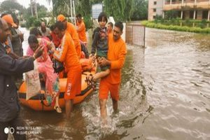 Maharashtra floods: 30 killed and 2 lakh evacuated
