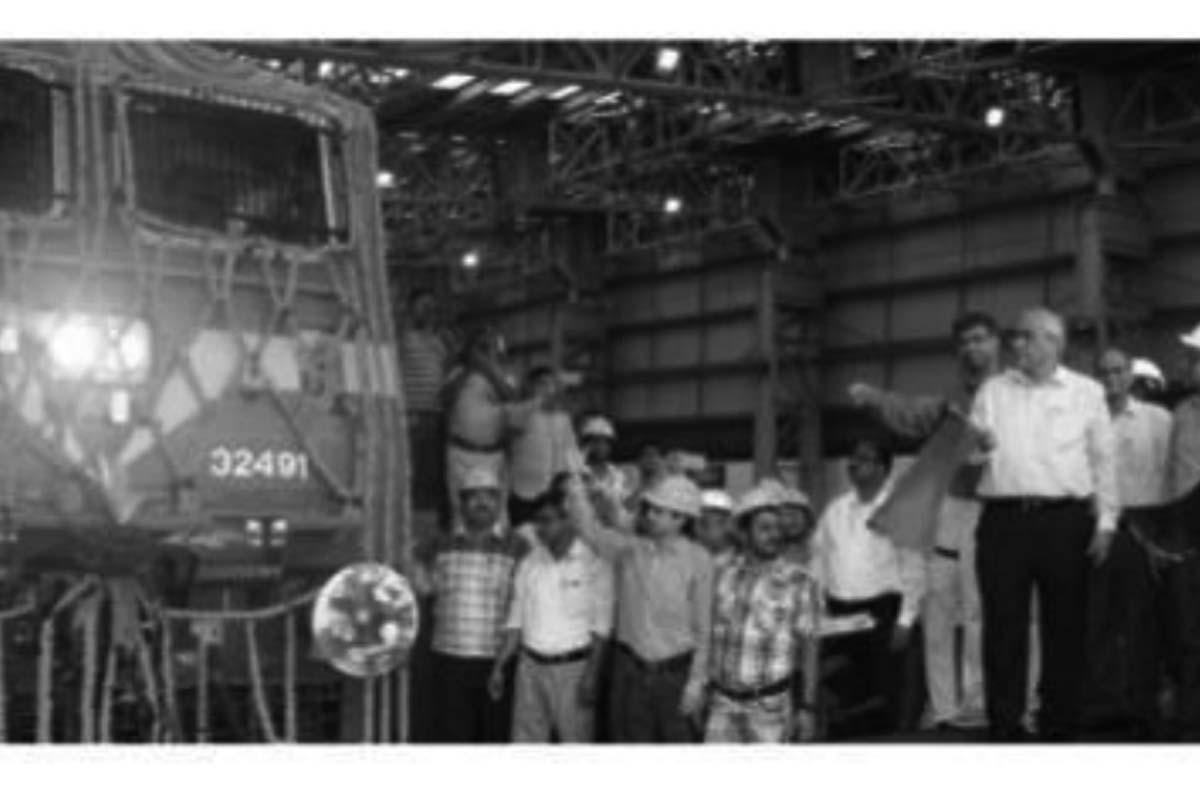 Chittaranjan Locomotive Works, Hooghly district, Praveen Kumar Mishra,
