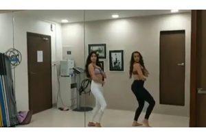 Janhvi Kapoor flaunts her belly dance moves