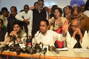 Amid reports of rift with Scindia, Kamal Nath meets Sonia Gandhi, discusses on new MP chief