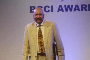 Dhoni a role model, should remain in the team: Syed Kirmani