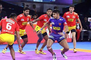 PKL 7: Unbeaten Gujarat Fortunegiants outclass Dabang Delhi 31-26