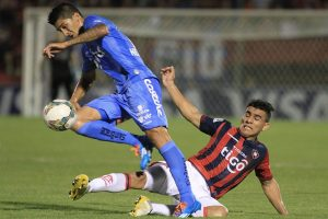 Chile midfielder Pablo Hernandez to undergo knee surgery