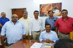 Durga Puja organizers in fix over DPCC's cap on idols' height, approach Arvind Kejriwal
