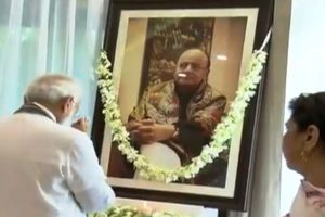 Narendra Modi visits Arun Jaitley's family, offers floral tributes to departed leader