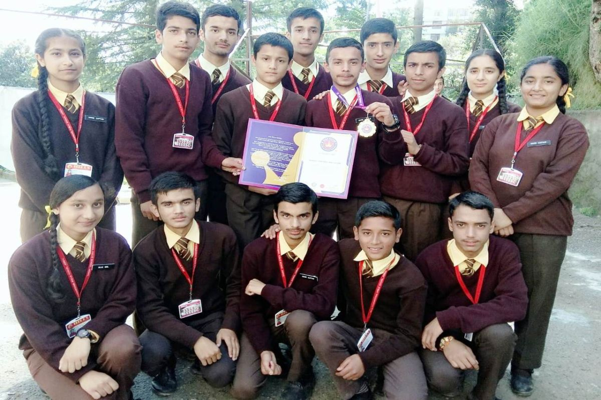 Himachal school sets record for biggest portable wall clock