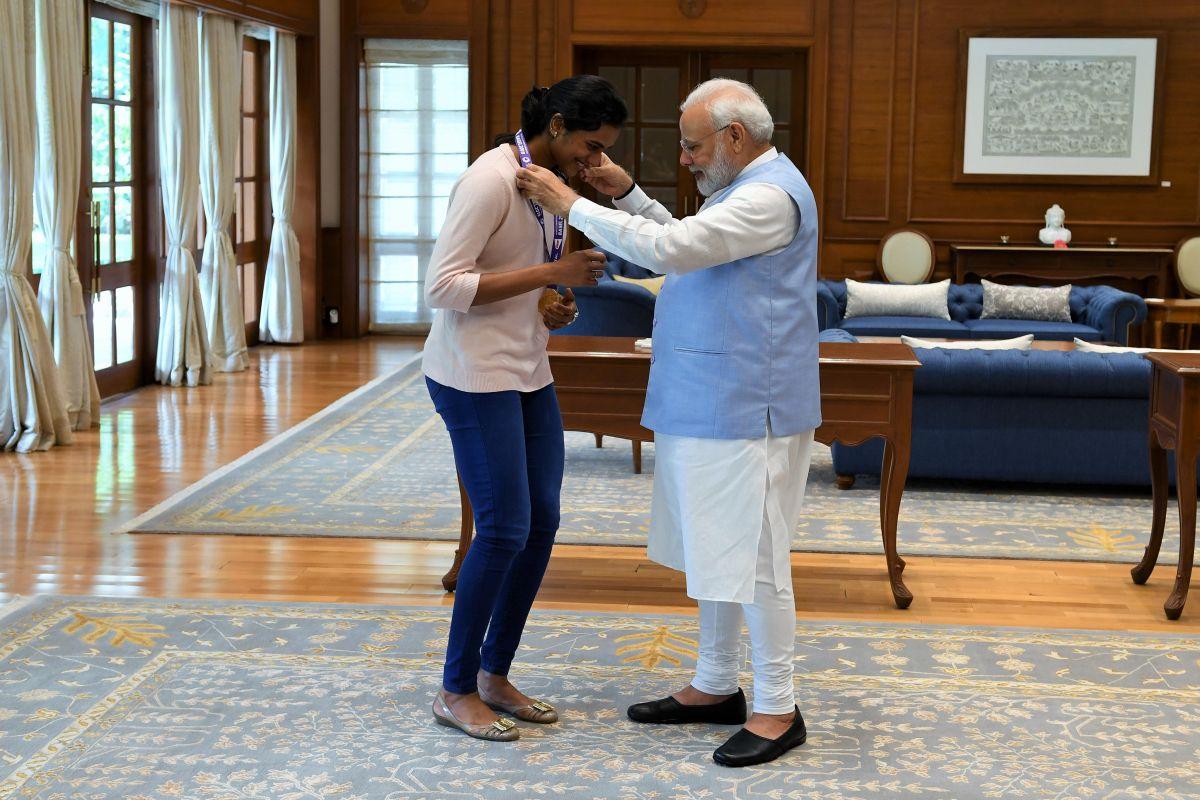 Narendra Modi, PV Sindhu, Prime Minister Modi, BWF World Championships, Nozomi Okuhara,