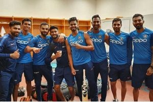 Virat Kohli shares 'squad' pic; but where's Rohit Sharma, ask fans