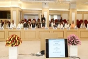 Home Minister meets CMs of Naxal hit states, reviews security