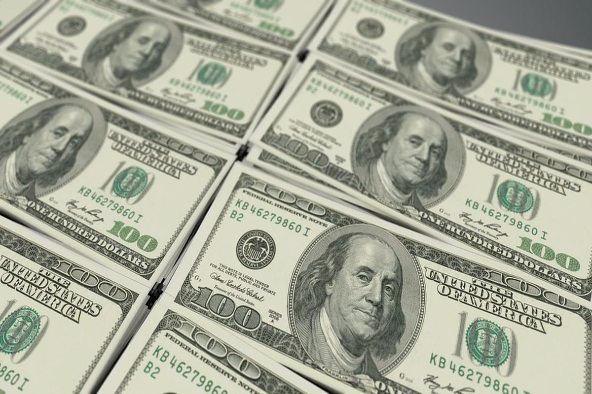 Dollar weakens against major rivals amid downbeat data