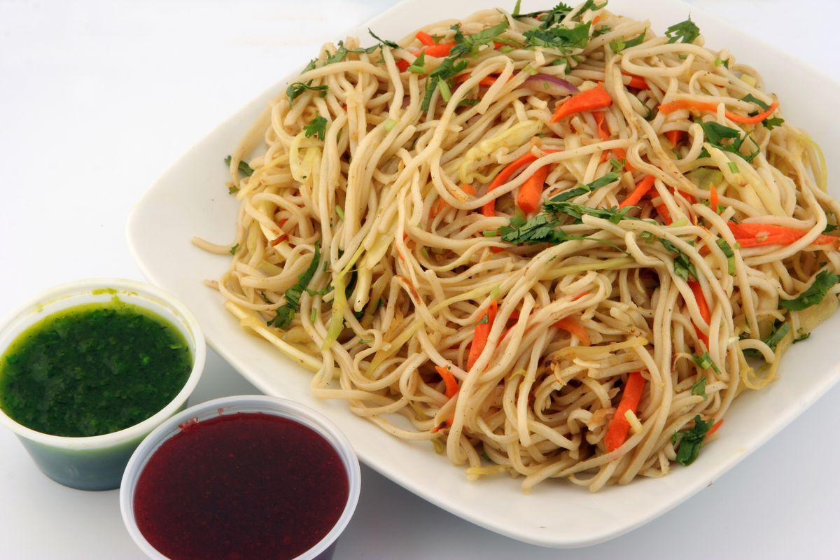 vegetarian Hakka Noodles, recipe, Chinese dish, Chinese cuisine, serves, method, cuisine, Hakka Han, vegetarian