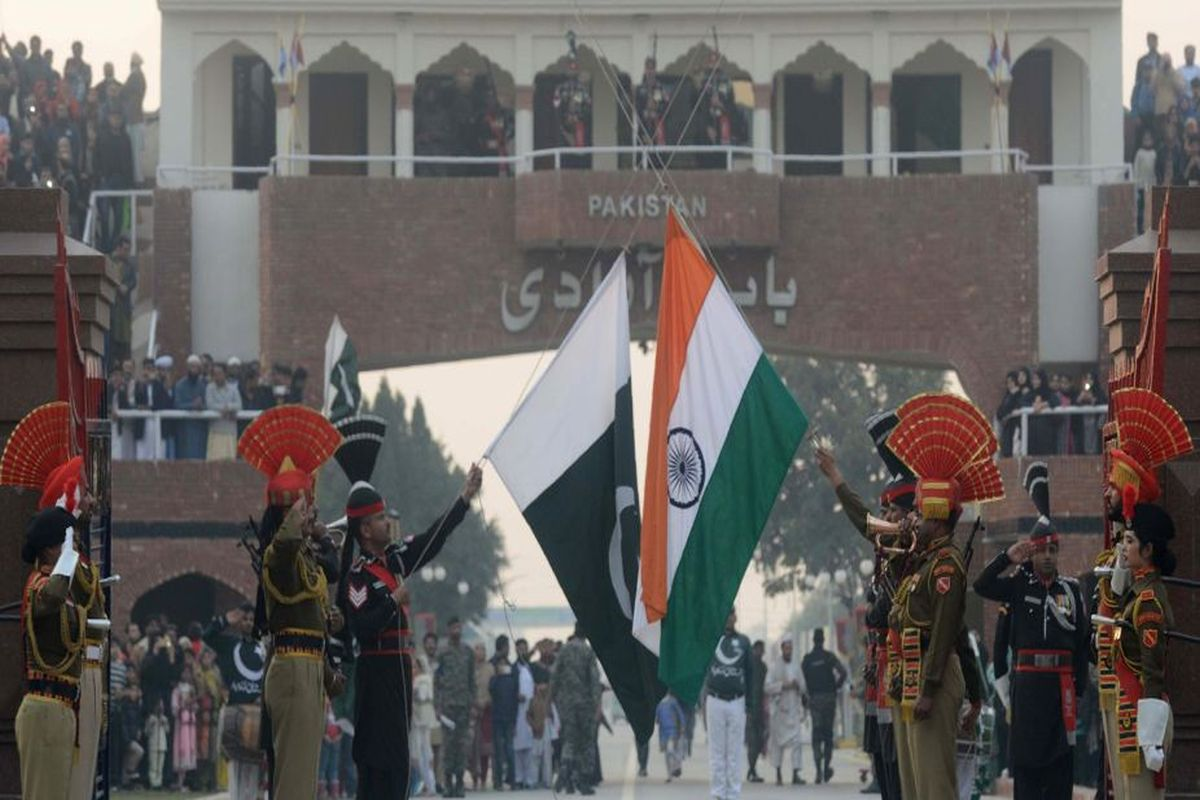 'Full-blown war with India likely in Oct, Nov', predicts Pak minister weeks after abrogation of Article 370