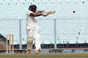 Uncapped Jalaj Saxena enters elite list in first-class cricket