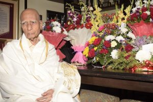 PM Modi, President pay tributes to legendary music composer Khayyam