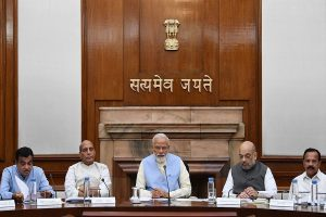 Amid J-K turmoil, high-voltage Cabinet meet at PM Modi's residence; Amit Shah to speak in Parliament