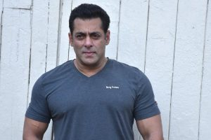 Salman Khan shoots for 'Dabangg 3' amidst heavy rain