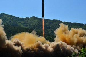 Pyongyang fires unidentified short-range projectiles: Seoul