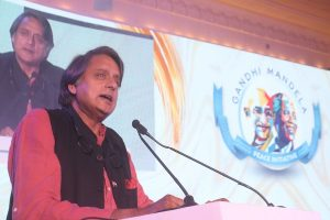 Tharoor accepts Modi's language challenge, tweets 'Bahuvachanam'
