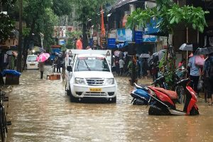 30 flights cancelled and 118 delayed as Mumbai faces heavy rainfall