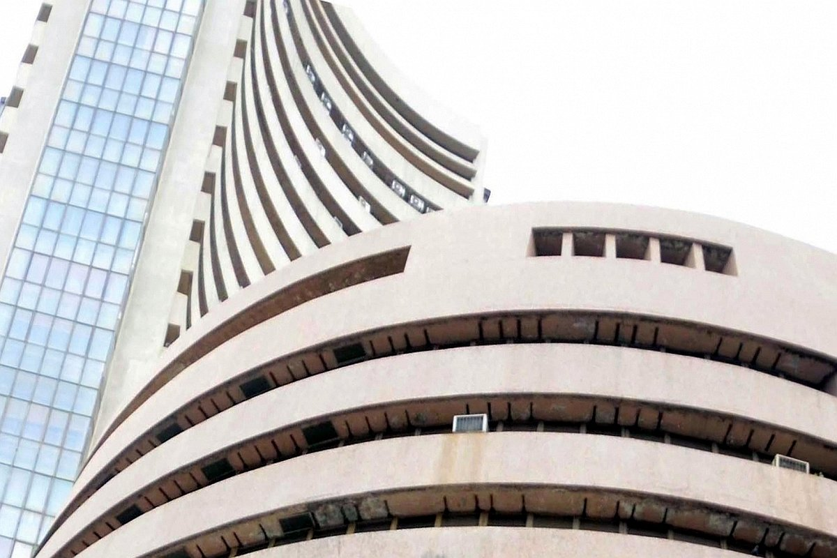 Sensex drops over 150 points, Nifty trades just above 10,000