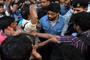 Babul Supriyo 'heckled' at Jadavpur University, WB Governor rushes to save him