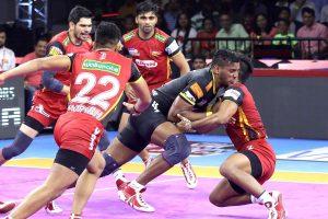 PKL 7: Bengaluru Bulls inch Telugu Titans 40-39; UP Yodha thrash Patna Pirates 41-29