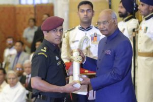 People are fond of 'talented' MS Dhoni despite his low profile: President Kovind