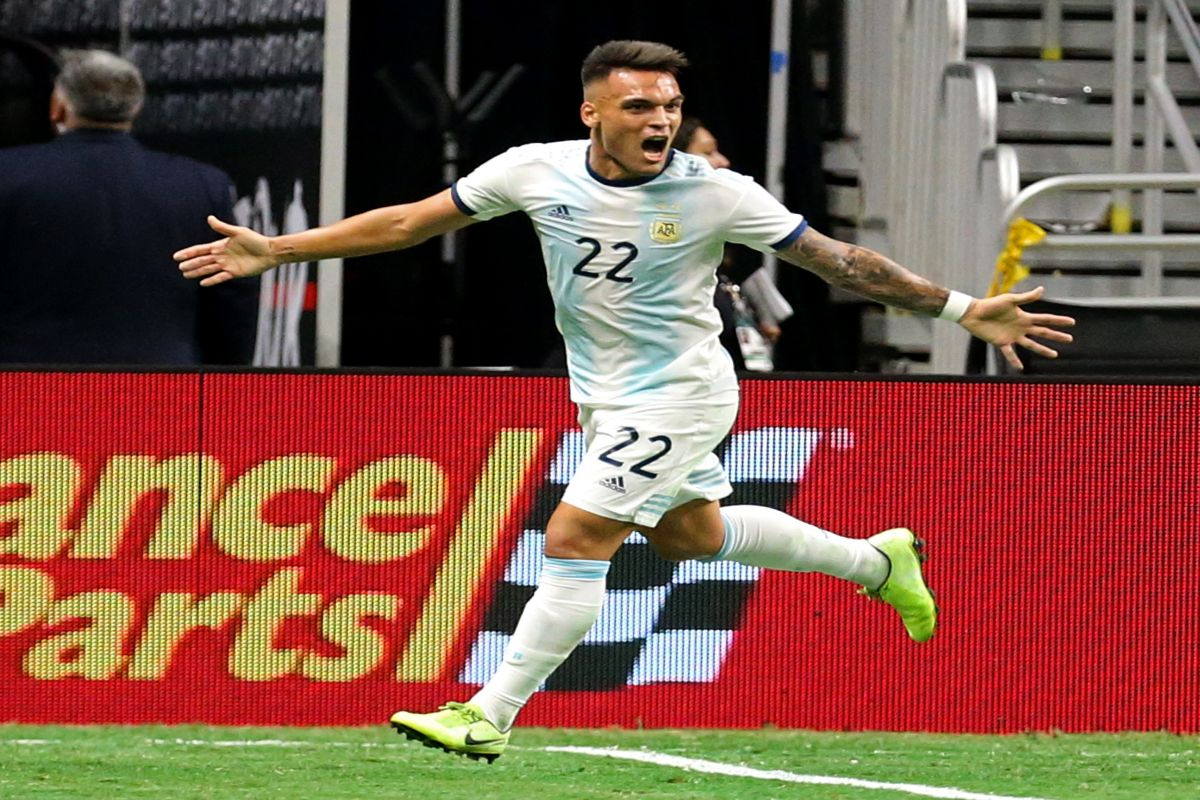 Martinez scores hattrick as Argentina hammer Mexico 4-0 class=