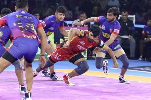 PKL 7: Bengaluru Bulls and Dabang Delhi tie 39-39; Haryana Steelers beat Patna Pirates 39-34