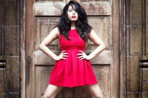 Ace Bollywood anchor Anupma Singh to make her B-town debut with a biggie