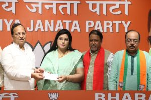 Baisakhi Banerjee, Sovan Chatterjee threaten to leave BJP
